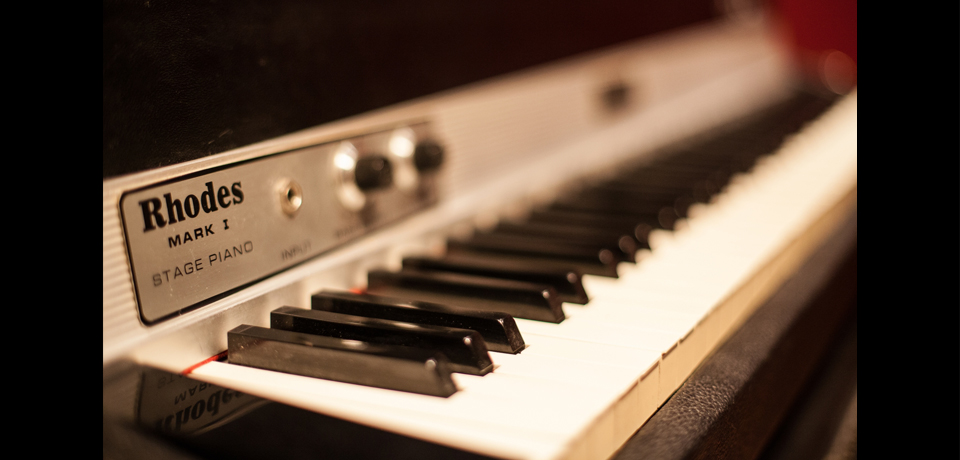CAVERNE STUDIO - FENDER RHODES 73, MARK I STAGE PIANO