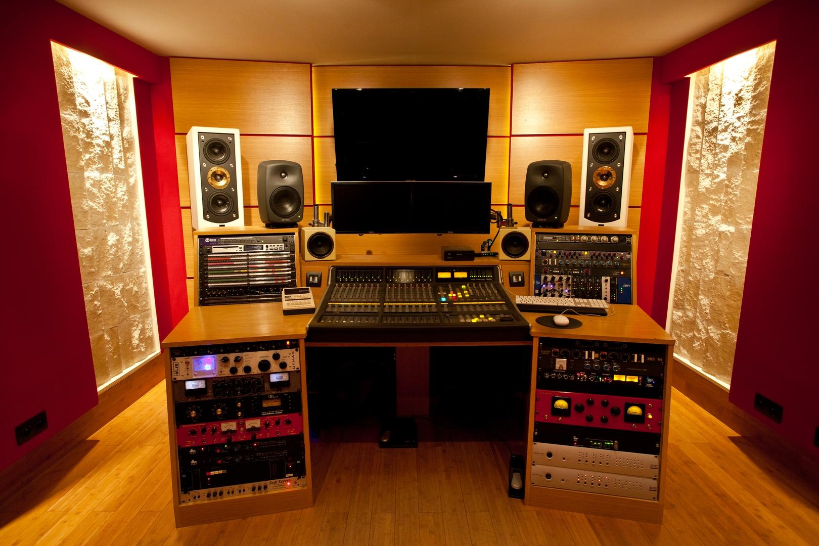 caverne studio studio. Black Bedroom Furniture Sets. Home Design Ideas